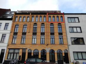 Prachtig gerenoveerd appartement in CADIX met prachtig uitzicht.Omschrijving: Goed gelegen en volledig gerenoveerd appartement! Gelegen in de volop gr