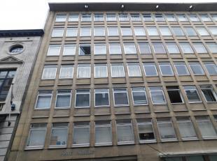 Uitstekend gelegen1 slpk appartement in het centrum van Antwerpen Ligging: uiterst centraal gelegen nabij de Meir Indeling: Ruime woonkamer met keuken