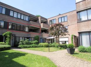 Prachtig en ruim (125m²) appartement met 3 slaapkamers met prachtig zicht op een groene zone. Gelegen in een kleinschalige, residentie aan de sta