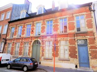 Exclusief appartement op top locatie!Beschrijving: Gelegen in het centrum van Mechelen; vlakbij winkels, scholen en openbaar vervoer.Indeling: inkomha