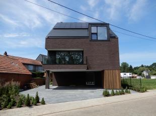 Nieuwbouw BEN duplex-appartement met3 slaapkamersen terras.<br /> Ligging: Gelegen op een goede locatie nabij het centrum van Tielen.<br /> Indeling: