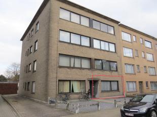 Instapklaar gelijkvloers appartement gelegen tegen het centrum van Turnhout, nabij scholen, winkels, openbaar vervoer en autostrade E34.Indeling: Inko