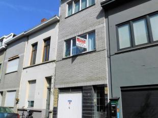 Gezellige bel-etage met 3 slaapkamersin Antwerpen-Noord. Ligging: In een rustige straat op wandel afstand van openbaarvervoer, winkels, scholen en Par