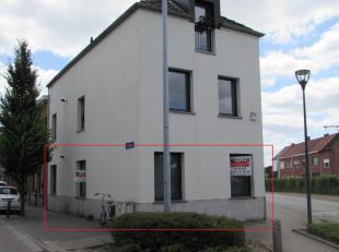 Gelijkvloers appartement in perfecte nieuwstaat, gelegen tegen het centrum van Turnhout nabij scholen, winkels, station en openbaar vervoer. Indeling: