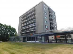 Instapklaar appartement op centrale locatie te WillebroekLigging: Dit gerenoveerd appartement bevindt zich op een toplocatie te Willebroek. Aldi, Carr