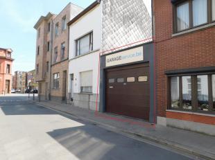 Garage met mogelijkheid tot projectgrond van 3 bouwlagen Ligging: De straat waar de garage gelegen is komt uit in Park Spoor Noord en is vlakbij de Sl
