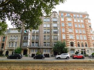 Ruim Art-Deco appartement nabij HarmonieparkLigging: In het centrum-van Antwerpen, nabij het Harmoniepark, openbaar vervoer, scholen en winkels vindt