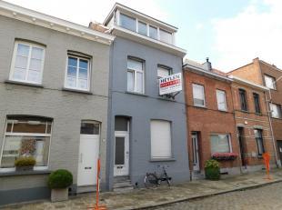 Te renoveren woning op centrale locatie nabij Bist.<br /> Ligging: Centrale locatie nabij A12. Achter het levendige Bist Wilrijk. Openbaar vervoer op