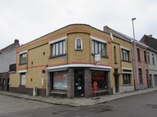 Tof één slaapkamer appartement met terrasje! Ligging:Het appartement is gelegen boven een broodjeszaak, niet ver verwijderd van de ring