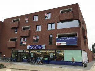 Ruim nieuwbouwappartement, gelegen op de eerste verdieping, in hartje Herentals.<br /> Ligging: Het appartement is centraal gelegen op wandelafstand v