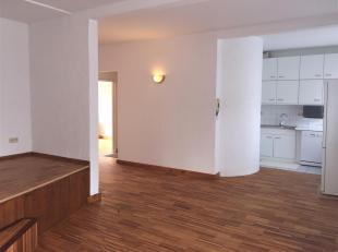 Appartement op eerste verdieping met dakterras in centrum Nijlen<br /> ligging:Pal in het centrum van Nijlen. winkels, scholen, openbaar vervoer, ...