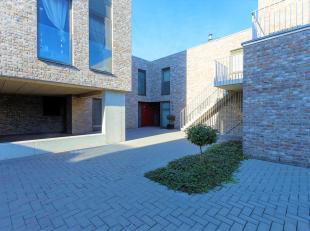 Ideale eengezinswoning met tuin inresidentiële wijk.<br /> Ligging:Gelegenin de nabijheid van Schoten centrum.<br /> Indeling:Gelijkvloers:<br />