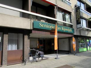 Serviceflatte huur op centrale locatie. Ligging:Dicht bij het centrum van Antwerpen, op een boogscheut van de Meir met zijn vele winkels en vlakbij he
