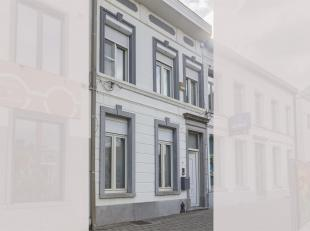 Instapklaar en karaktervolle woning op de markt van Meerhout. Met winkels, scholen, openbaar vervoer op wandelafstand en een zeer goede verbinding met