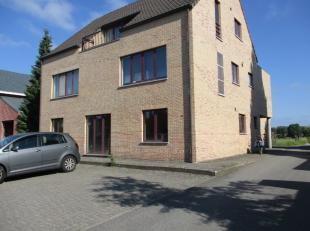Dit appartement is gelegen op de Mechelbaan met makkelijk verbinding naar Heist-op-den-Berg, Lier, Aarschot en Mechelen. Het appartement beschikt over