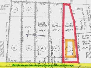 """LOT 5: Perceel voor open bebouwing in klein straatje (links van Vloeikensstraat nr 37) dat loopt naar natuurgebied """"De Herebossen"""" aan de Grote Neteva"""