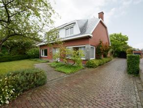 Deze schitterende villa is gelegen in de landelijke omgeving tussen Duffel en Lier.<br /> Omvat: inkomhal, gastentoilet, lees-tv kamer, badkamer met l