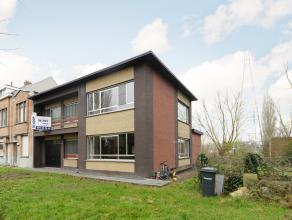 Vlakbij het centrum van Lier bevindt zich deze rustig gelegen woning.<br /> Het station is gelegen op wandelafstand.<br /> Zeer ruime woning die in 20