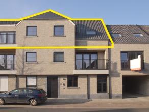 """Prima gelegen dakappartement met 2 slaapkamers en lift op de tweede verdieping in nieuwbouwresidentie """"d'Oude Molen"""". <br /> Op wandelafstand van wink"""