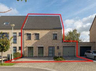 HOB nabij het centrum van Lier.<br /> <br /> Indeling: GLV: inkom, apart toilet, inpandige garage, woonkamer, keuken, wasplaats en bureau.<br /> Op de