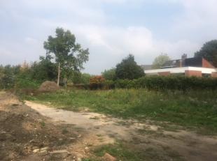Gunstig gelegen bouwgrond voor open bebouwing met een oppervlakte van 6a 23ca. <br /> Op 5 minuutjes rijden van centrum Haacht.<br /> <br /> Straatbre
