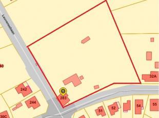Dit domein met af te breken woning is centraal gelegen op de hoek van de Leuvensebaan en Grensstraat met een vlotte verbinding naar het centrum van Pu