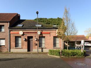 PROJECTGROND (voormalig café) in het centrum van Zoerle-Parwijs op een perceel van 4 are 75 centiare en met vlakbij een ruime openbare parking.
