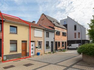 Deze volledig gerenoveerde woning is gelegen in een rustige straat  in het hartje van Aarschot op 2 minuutjes wandelen van de markt en omvat: Leefruim