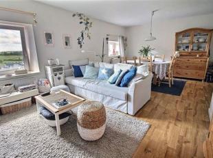 Superbe appartement 2 chambres situé dans une belle copropriété de 6 logements avec cave et parking à l'avant.<br /> Id&ea