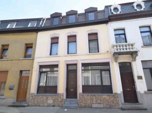 Située sur la commune voisine de Morlanwelz, Agréable maison d'habitation comprenant: salon, salle-à-manger, cuisine, salle de ba