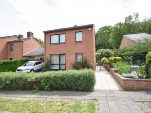 REPRISE DES VISITES le 03/07<br />  Agréable maison 3 chambres, garage et agréable jardin comprenant: Hall d'entrée, salon, salle