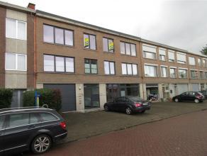 Sint-Bavoplein 11 / 4: mooi gerenoveerd appartement op de 2de verdieping rechts - gunstige en rustige ligging, nabij het centrum - 2 slaapkamers - gar