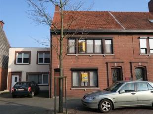 NIEUWE PRIJS : deze ruime gezinswoning met diepe tuin is gunstig gelegen, in het centrum van Oud-Turnhout, met alle winkels op wandelafstand - de woni