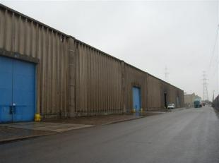 Opslagruimte te huur gelegen in de Antwerpse haven. De magazijnruimte is 15.019 m² groot en kan onderverdeeld worden in diverse hallen. De loods