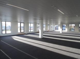 High-end kantoren te huur op een fantastische locatie te Gent, nabij de R4. De 1.070 m² kantoorruimte situeert zich in een nieuw bedrijvenpark in