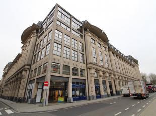 Open kantoorruimte van 513 m² op de 3e etage te huur in het welgekende en multifunctionele 'Urbiscomplex' op het Woodrow Wilsonplein te Gent Zuid