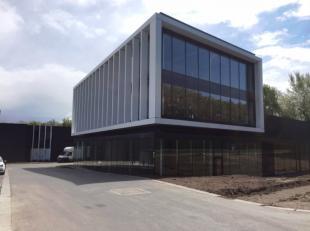 Nouveau projet pme à vendre à Halle-Buizingen, à 2 km de la sortie Beersel du Ring. Ce nouveau développement de 26 unit&ea