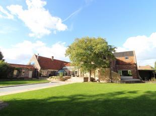 Magnifieke luxe eigendom te koop gelegen op een zuid-gericht perceel van 2.400 m² in het landelijke Wetteren-ten-ede, op minder dan 5 minuten rij