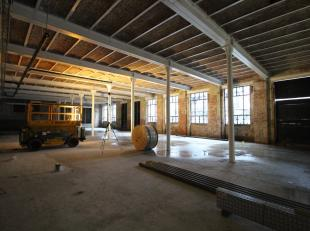 Welgelegen kantoren te koop in project Tribeca te Gent. De casco kantoren van 651 m² groot bevinden zich op de gelijkvloers, genieten van veel li