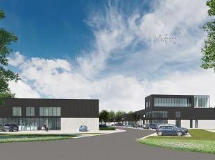 Gloednieuwe KMO-unit met een oppervlakte van 664 m² te koop nabij de R4 te Zelzate. De nieuwbouw loods is voorzien van een sectionale poort, een