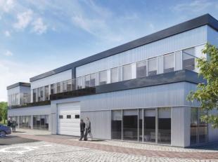 Fantastisch gelegen polyvalente ruimte met een oppervlakte van 536 m² te koop met zichtlocatie vanaf de R0 te Sint-Pieters-Leeuw. De casco ruimte