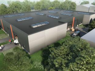 Nieuwbouw KMO-unit met een oppervlakte van 227 m² te koop in industriezone Heernisse te Diksmuide. De casco loods heeft een vrije hoogte van 5,7