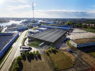Instapklare magazijnruimte met een oppervlakte van 2.000 m² (39,55 m x 50,86 m) in combinatie met 157 m² kantoren op IZ Herdersbrug. De lood