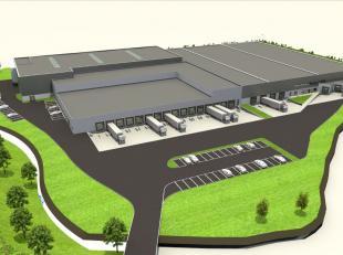 Logistiek pand bestaande uit 2.837 m² opslagruimte met 3 laadkades te huur op bedrijventerrein Lembeek Noord en nabij de R0 te Lembeek. De gereno