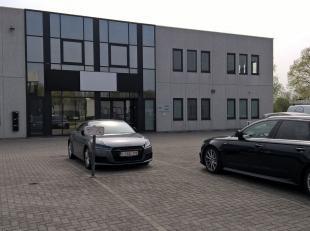Bureau loué de 531 m² avec 1 porte sectionale 10 parkings à vendre, loué à un locataire solvable pour 9 ans fix avec