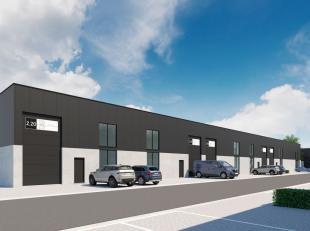 Nieuwbouw KMO-unit van 186 m² te koop nabij de R4 te Zelzate. De energiezuinige loods die toegankelijk is via een automatische sectionale poort i