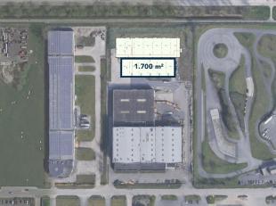 Nieuw te bouwen magazijnruimte van 1.700 m² te koop centraal gelegen op bedrijvenzone Pathoekeweg. De magazijnruimte is toegankelijk via 2 sectio