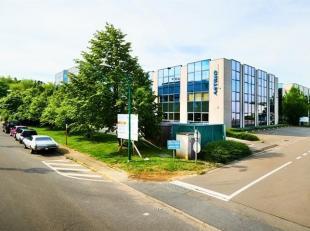 Bureaux lumineux de 334 m² à louer dans le 'Astrid Business Center' à Wemmel, situé à une location fantastique le lon
