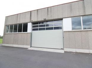 Bedrijfsgebouw bestaande uit 450 m² opslagruimte (opslag / productie) te huur. Het pand is gelegen langs de Rijksweg met een vlotte ontsluiting n