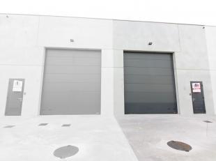 Nieuwbouw KMO-unit te koop met een oppervlakte van 142 m² gelegen in de industriezone Beveren/Wijnendale te Roeselare. De loods met een vrije hoo